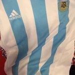 La sorteamos a las 13 en TN Deportivo! @TodaPasion @diegoruscitti @NicolasSinger #ArgentinaQueremosLaCopa http://t.co/riCY0uyb6n