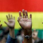 De país sin esperanzas a un crecimiento sin precedentes: Las claves del milagro boliviano ➨ http://t.co/X9N4PGy0Nh http://t.co/zWIxs0VLDo