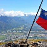 Esta es la cima del C. Cordon #Aysén, y en la cima los queremos muchachos! Vamos Chile!!! #BanderazoTuiteroPorChile http://t.co/j2yV8NRSdP