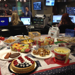 Working hard, but finding time for an indoor cookout @WTOPs Glass Enclosed Nerve Center & newsroom #FourthofJuly http://t.co/uu21BowqwJ