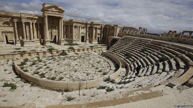13-летние боевики ИГИЛ расстреляли 25 пленных в римском амфитеатре Пальмиры.