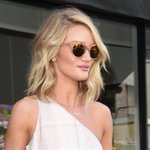 Rosie Huntington-Whiteley watched Serena Williams' #Wimbledon2015 match with Heather Watson: http://t.co/p0STA4kk05 http://t.co/nOQGBUBRkG