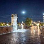 #Luna Llena sobre el Puente Viejo #Badajoz #Sabado #NosGustaBadajoz @robertobrasero #BadajozSorri #Badajoz1001razones http://t.co/Y7AoZZYvTf