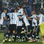 Amigos, #Argentina vuelve a una final, y hay que vivirlo con todo, ¡FALTAN 100 MINUTOS PARA QUE JUEGUE ARGENTINA! http://t.co/ETyIVKqjEv