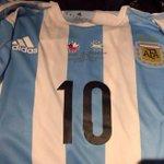 #VamosVamosArgentina Con esta camiseta, #Arg jugará hoy la final con #Chi http://t.co/UHdQ08GYbT http://t.co/JtyOSsLMFa