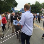 Reporters following Hillary Clinton dragged behind an actual ropeline http://t.co/0dPKTT2KpW
