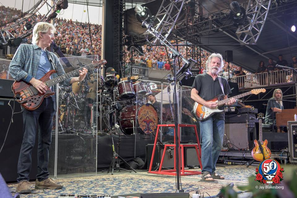 And the band keeps playin' on... Night Two. Who is in? #farethewell #soldierfield #4thofjuly #GD50 http://t.co/qNz4x6b2lu