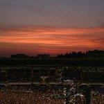 Uno splendido tramonto sulla maratona per #lorenzoafirenze15 @Bitconcerti @lorenzojova #firenze http://t.co/gvfwuKqzfU