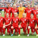 PHOTO: Pride of a nation... Our #Lionesses pose for the team photo prior to kick off against #Ger http://t.co/QyiyPreRWg