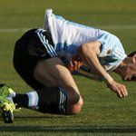 After being hacked to pieces... Di Maria off- Lavezzi on http://t.co/9RIuqsuN9t http://t.co/cToj7i4AEq