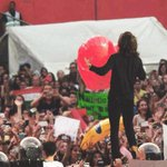 #HarryHasABigHeart This is showing us his actual heart size. http://t.co/wR2ahq2Fs1