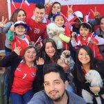 [Fotos] Así viven la final los seguidores de @Cooperativa http://t.co/IGCHZjg1xA http://t.co/8Fy3GiKjHK