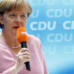 'OXI!': Greek solidarity protesters interrupt Merkel's speech (VIDEO) http://t.co/WzrPPHZw9W http://t.co/iMQhBLVZCH