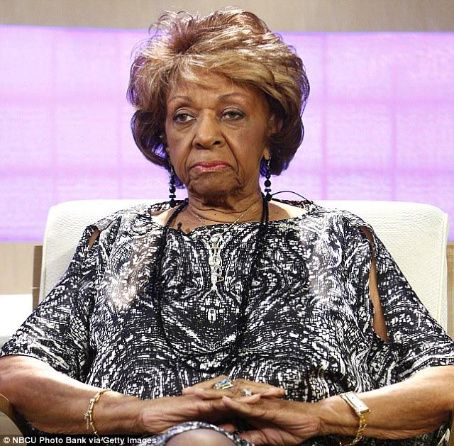 Your grandma's face when all the girls start twerking #CookoutNewsNetwork http://t.co/qWH7VGukUp