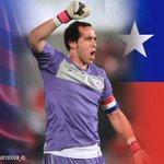 El FC Barcelona felicita a Chile, campeón de la @CA2015 y en especial a @c1audiobravo. #Chile2015 http://t.co/1LFPaHo5Ox