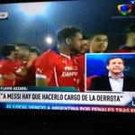 Y bue... Hace un partido era el Dios y ganaba la Copa solito!!! Después muchos se quejan del periodismo en Paraguay http://t.co/eltUteBoXn
