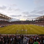It's a sellout! Tonight's announced attendance is 27,000: http://t.co/2rJruP9mZ3 #LAvTOR ???????????????????????? http://t.co/g1njTtOIxP