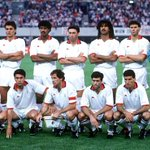 Klub TERBAIK sepanjang sejarah Sepakbola adalah skuad @acmilan 1988-90 sumber: http://t.co/xQ2qlhggWd http://t.co/kT0BlREEIE