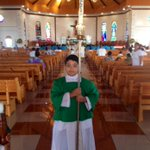 Proud altar boy waiting for his special moment at a service for the Manu Samoa team (in blue, up front) this morning. http://t.co/gNUG3nK1Vm