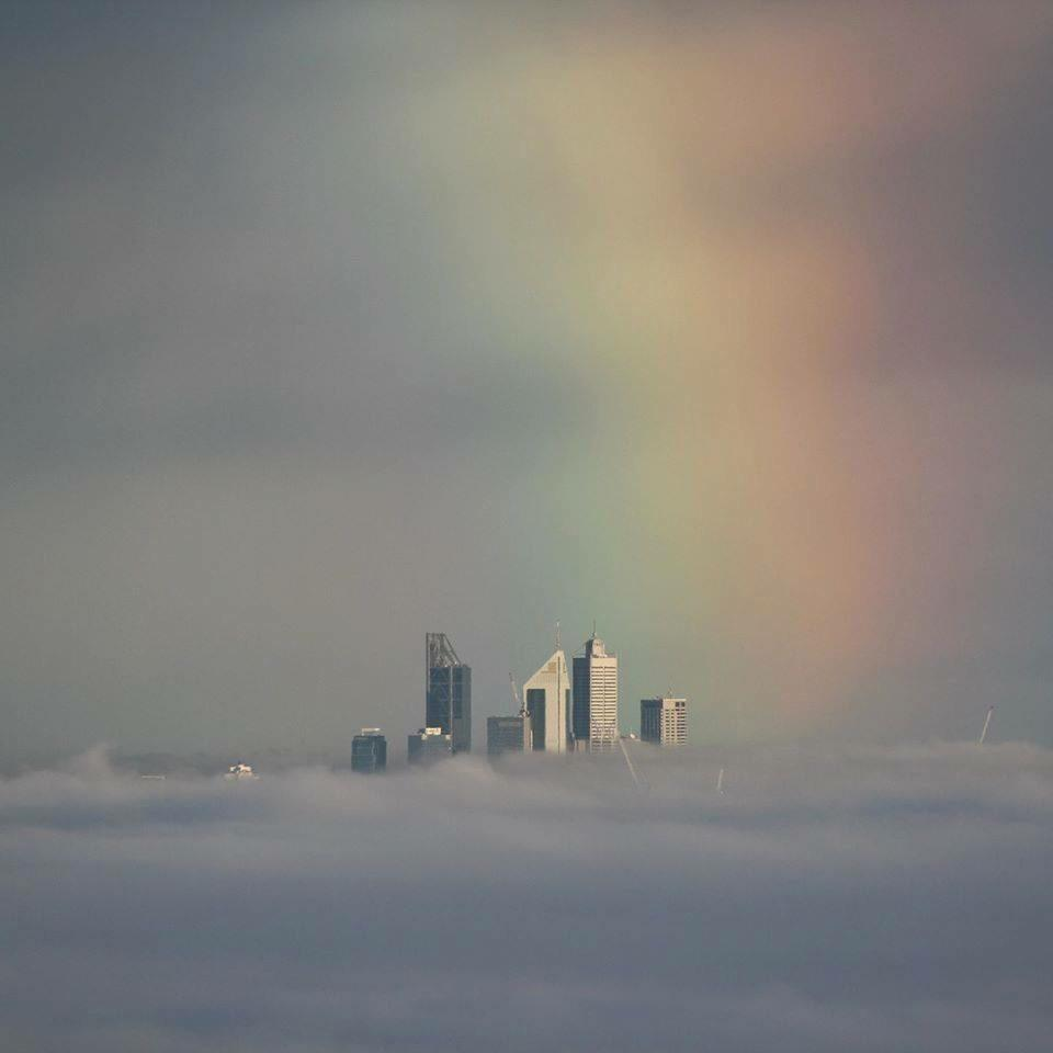 How's this for a photo of #Perth this morning https://t.co/Jae0l3QnRr http://t.co/XCvj8fIxHx