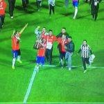 Sesuatu ya min... @JCIndonesia: Sepupunya Vidal masuk lapangan pake jersey Juventus :))) http://t.co/9M2AEIcD3w
