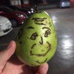 Les presento a Jason. Es mi pera. 🍐🌝 https://t.co/E6EBCE6vTI http://t.co/vqvRwF9kFL