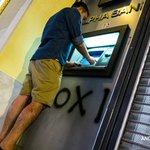 La Grèce a commencé à voter pour un référendum aux implications multiples http://t.co/stTKqcMTmn #AFP http://t.co/b15LL6cRot