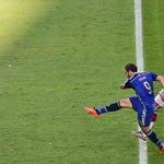 En moins dun an, Gonzalo Higuain a eu au bout du pied :  - Une CDM - Une qualification en LDC - Une Copa America http://t.co/uof19zVPWC