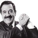 Qué lindo es el ritual electoral. ¡Gracias Raúl! ¡Democracia para siempre! http://t.co/f9TLf2EN3M