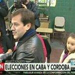 #Eleccion2015: Vota @marianorecalde en una escuela del barrio de Barracas [EN VIVO] http://t.co/yfZTjOMgwN http://t.co/7D3852jNDr