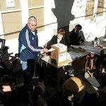 """Votó @FABIANRIOS2013: """"La gente se va amigando con la democracia y sabe marcar un rumbo"""" #CorrientesElige http://t.co/eu8FrFXDx7"""