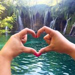 New Top Trend! Make a heart from Croatia and use #CroatiaFullOfLove #LoveCroatia ???? http://t.co/L4ajdXGEkS