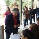 La democracia se defienden desde las urnas y las urnas las llenamos entró todos. http://t.co/yNprU2BAKD