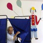 Grecia ya comenzó la votación del referéndum http://t.co/liVNpUxS1E http://t.co/PANAwN1W3Y