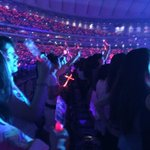 This is what happened when Changmin appeared!!! RED OCEAN AS PROMISED! #smtowntokyodome (cr: on pic) http://t.co/q2kAvdCxfi