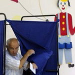 Corralito en Grecia: comenzó la votación del referéndum http://t.co/zgVRODQlB0 http://t.co/WqPU7mNMru