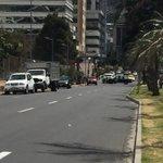 Tome vías alternas, la Portugal está cerrada hacia la Av 6 de Diciembre. #PapaFranciscoEnEcuador http://t.co/anPLDuftz8