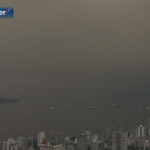 English Bay socked in with wildfire smoke, no advisory in effect yet as air quality is low-moderate http://t.co/biJgIvamQ4