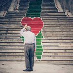 لوحة فنية على احدى المدرجات في دولة #فلسطين و #رمضان_كريم http://t.co/QGhgDs54bT
