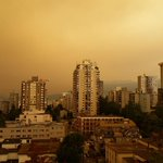 Woke up to this in the West End. Not touched up in any way. Forest fires suck. #Vancouver @NEWS1130Radio http://t.co/9p6daUqyVN