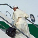Los fieles podrán ver al papa Francisco en los exteriores de la Nunciatura » http://t.co/eLU9p2TJNm http://t.co/Ydy0E5XVCK