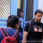 Medienvertreter_innen werden grad ausgeschlossen. Auszählen hinter verschlossenen Türen? Krass. #Greferendum #OXI http://t.co/WZbVruDX7o
