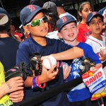 Fenway Park Essentials: #RedSox Hat ✅, Glove ✅, Sunflower Seeds ✅, Autographed baseball ✅. #CallingAllKids http://t.co/HZU7P3K1Gr