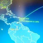 Avión de Alitalia, que traslada a @Pontifex_es, ya se aproxima a espacio aéreo ecuatoriano. #FranciscoenEc http://t.co/e63fvZx7cC
