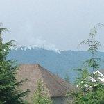 Crews responding to fire on #Burnaby Mountain http://t.co/wC2b0qjR9j (pic via @CraigMah) http://t.co/TIszn7CIn1