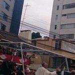 Papa Francisco saludando a la gente al pasar por la 6 de Diciembre dirigiéndose a la nunciatura. Vía @ccarrillo1975 http://t.co/eWghjVdKoN