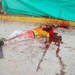Asesinan a tiros a un hombre en la glorieta la Pilonera en @Valledupar. #Noticiaendesarrollo http://t.co/I0jNfgAdgy