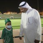 صور زيارة الطفل عبدالعزيز عبدالوهاب بكير والمصاب بمرض السرطان مساء اليوم للنادي #الأهلي http://t.co/3NmB56yeSm