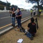 Importante presencia policial en vías por donde pasará el Papa Francisco. Sígalo por @teleamazonasec estamos listos http://t.co/6hWU7vAYIU