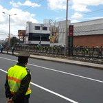 6 de Diciembre con afluencia peatonal. Se suspende el servicio de la ecovia mientras pasa la caravana papal. http://t.co/5MRbvjkaJE
